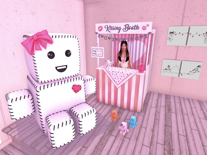 The Kissing Booth and a Buncha Robots